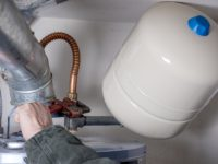 Top 4 Signs That Indicate Your Water Heater Needs To Be Repaired or Replaced